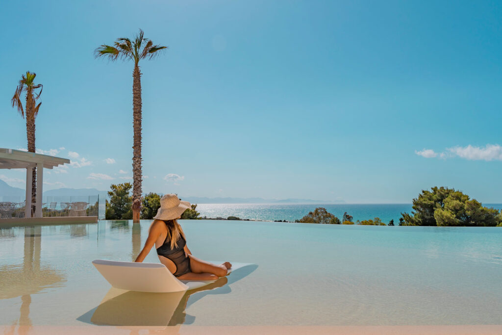 Costa Verde Cefalù, la piscina - InfoCefalu.com