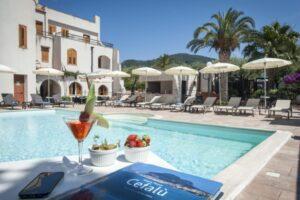 L'Hotel Baia del Capitano piscina